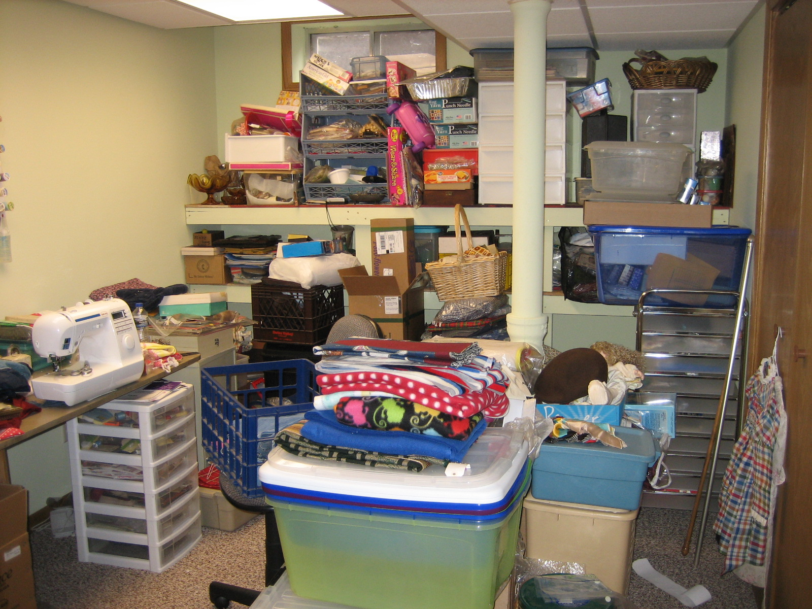 Sewing Room Organization 1600 x 1200